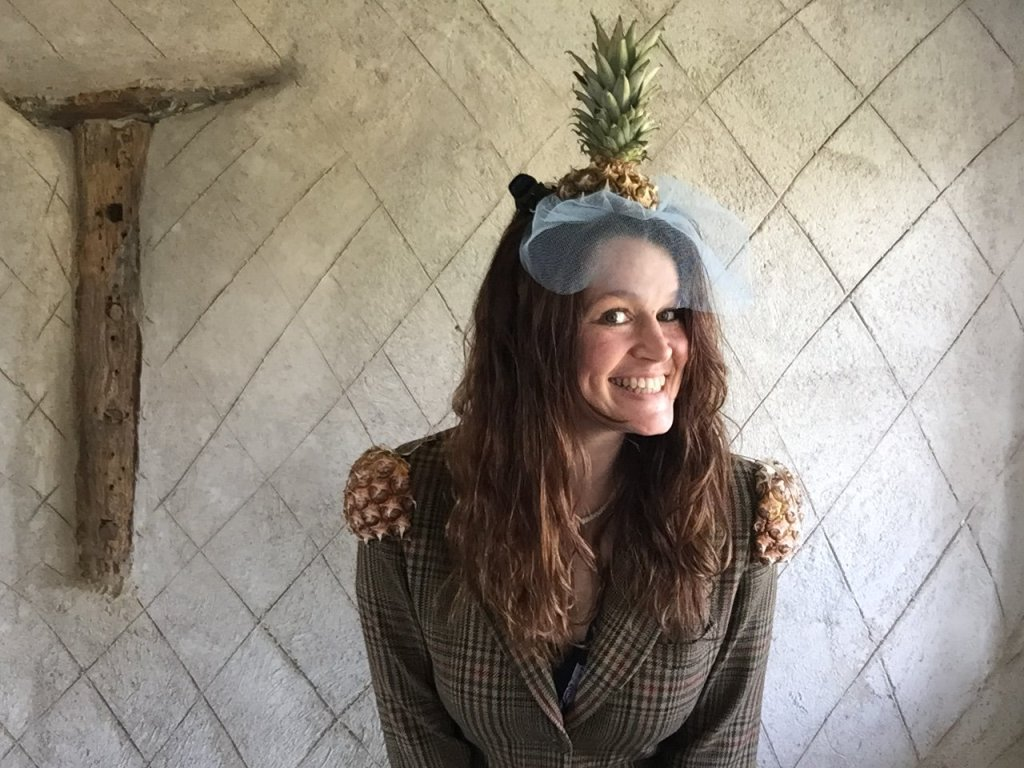 make a tropical pineapple fascinator diy craft for your next luau party!