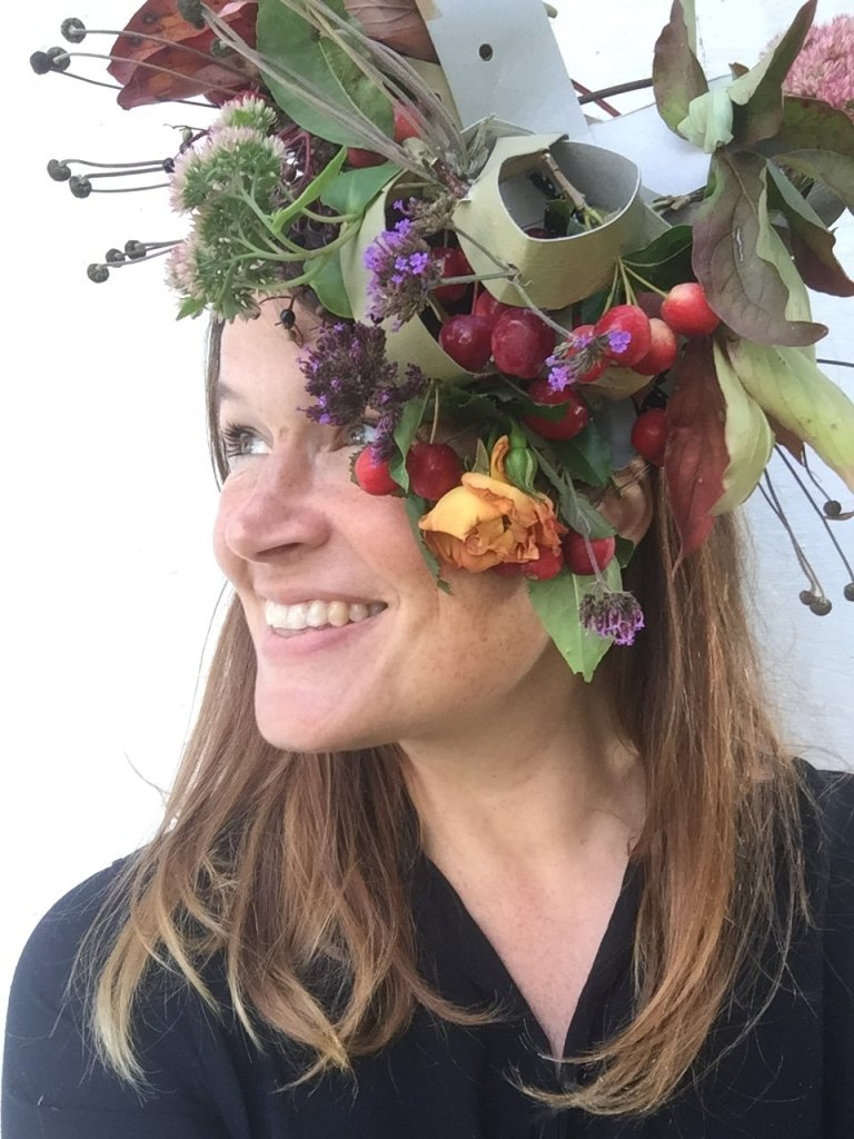 Get happy this weekend – with an easy floral fascinator diy!