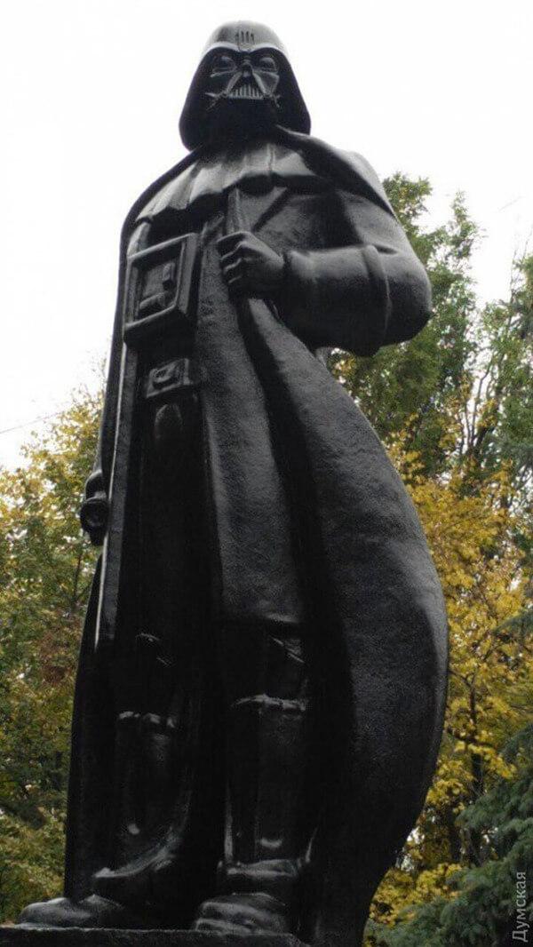 Lenin Statue Turned Into Darth Vader 2