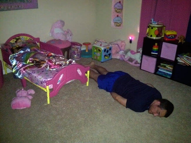 20 Epic Photos Show Why Dads Cant Be Trusted Babysitting