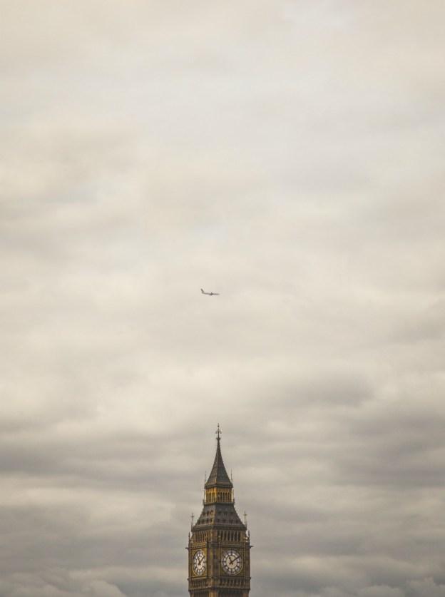 Биг Бен и самолет