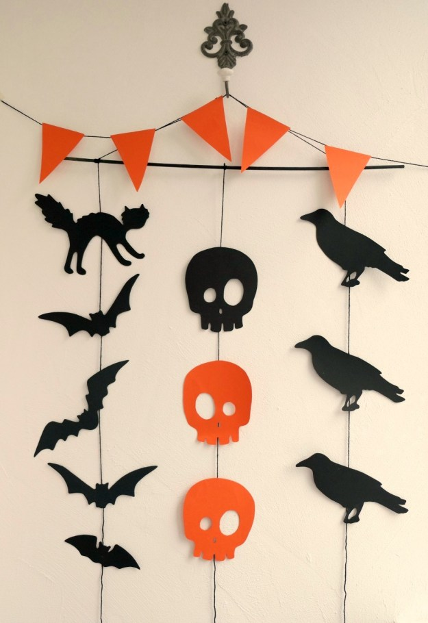 halloween-garland-ready-vertical1