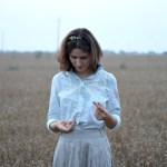 «Я благодарна за то, что мне не нужно быть серьезной и ходить на серьезную работу»: Интервью с иллюстратором Катей Невских