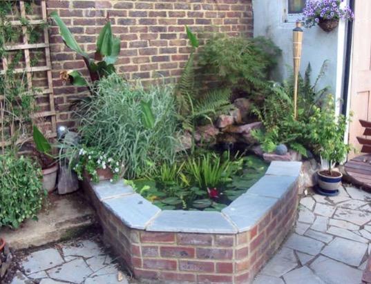 9 Small Backyard Pond Ideas on Backyard Pond Landscaping Ideas  id=91266