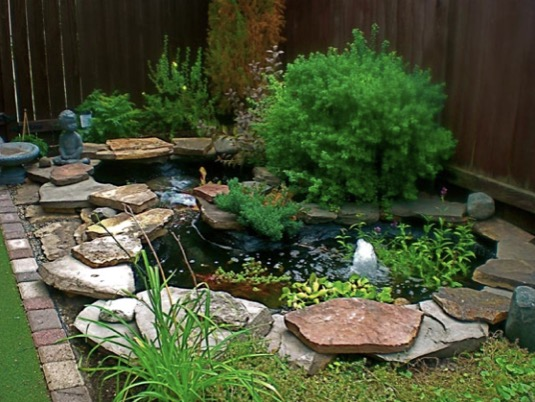 9 Small Backyard Pond Ideas on Small Backyard Pond  id=47526