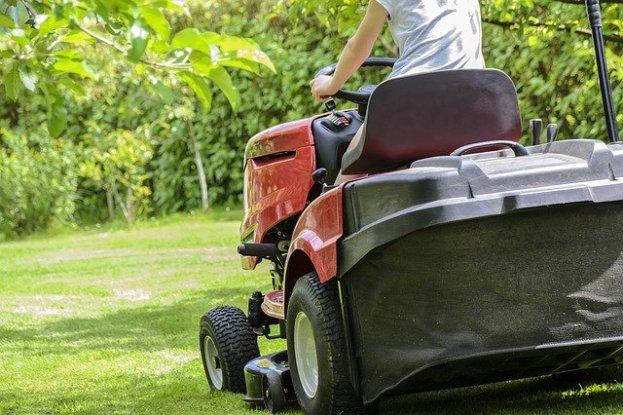 lawnmower driving