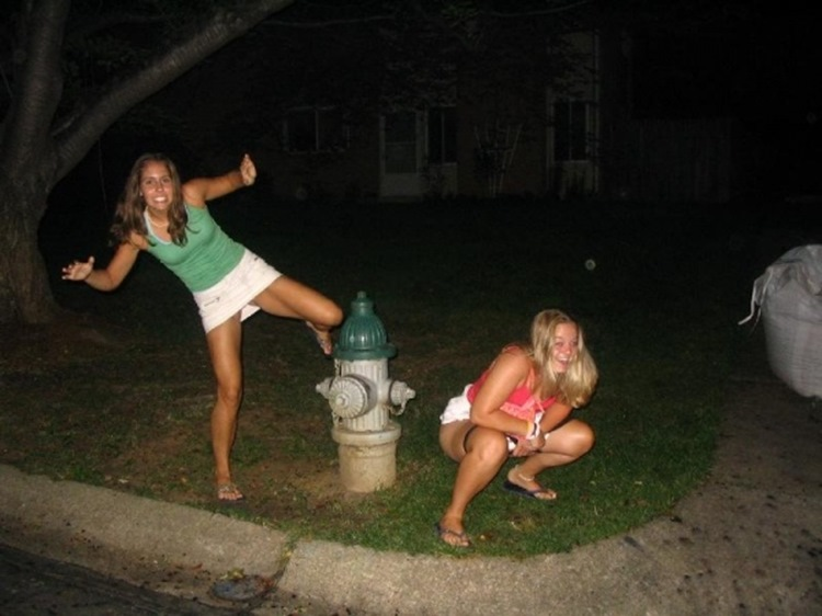 Drunk College Girls in the Wild 19