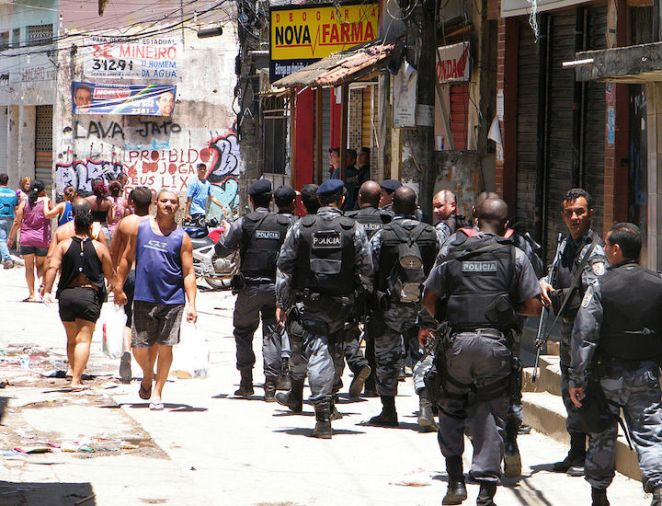 A photograph showing security forces occupy the Complexo do Alemão favela in Rio de Janerio.