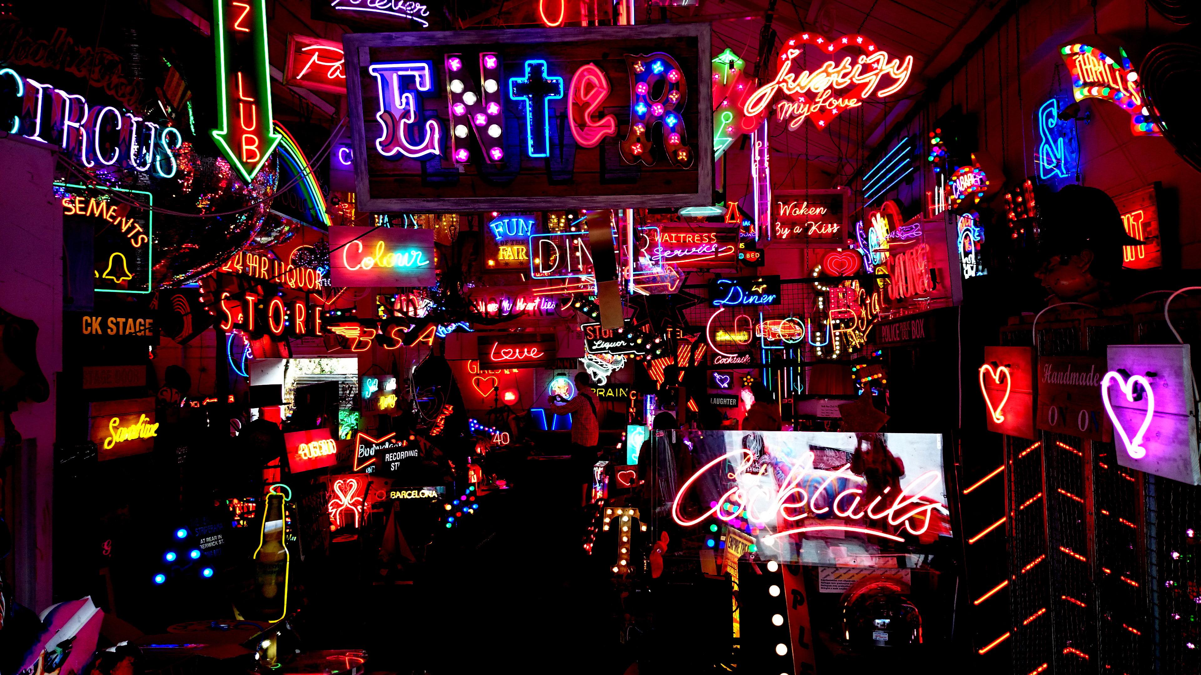 Neon fantasy delight in London