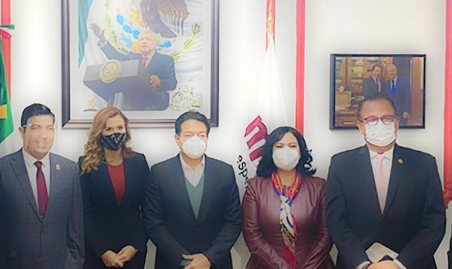 La foto del ansia electoral: 3 alcaldes, un secretario y dos senadores de BC con Mario Delgado