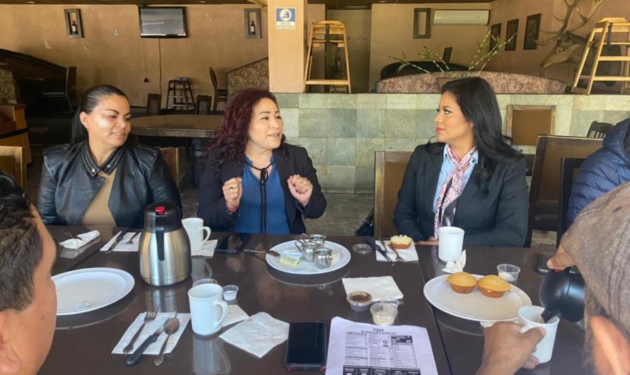 Atiende Monserrat Caballero temas legislativos con comerciantes ambulantes y sobre ruedas de Tijuana