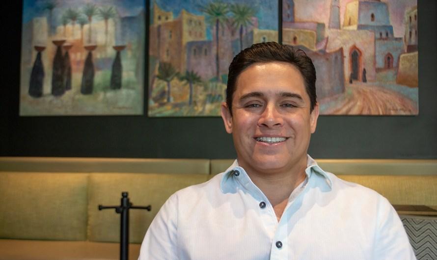 Edgar Castillo, médico cachanilla que busca la candidatura a la alcaldía de Mexicali y dignificar la profesión política