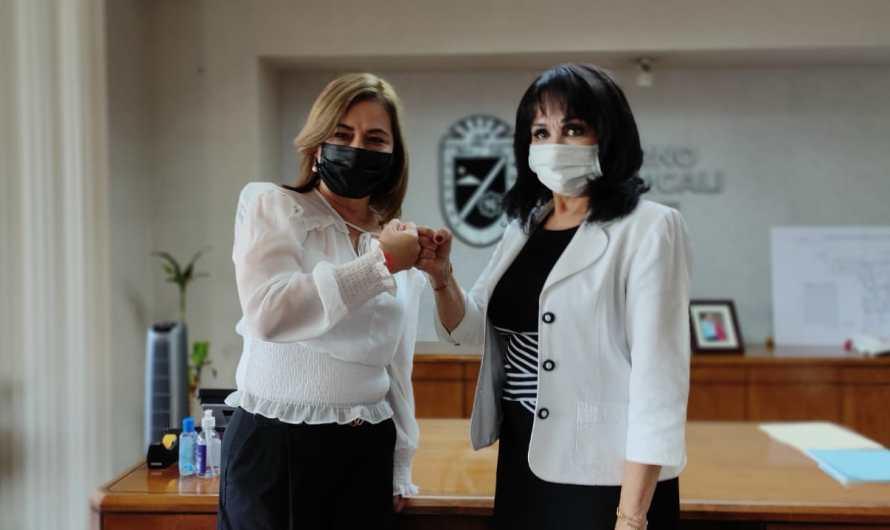 Transición de Municipio de Mexicali en marcha, reunión cerrada a medios entre Norma Bustamante y Lupita Mora