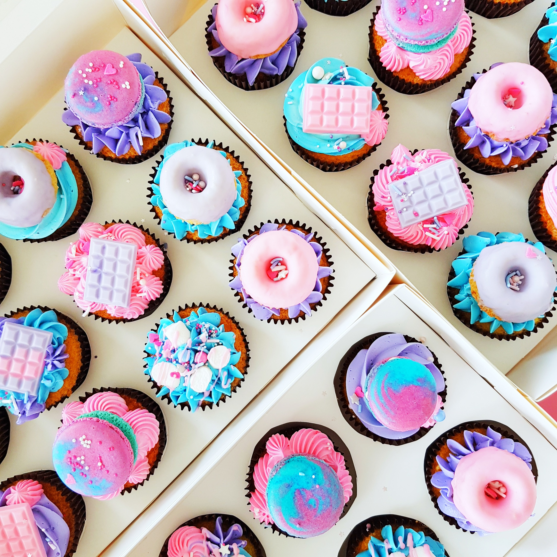 Cupcakes with toppings - The Baking Experiment