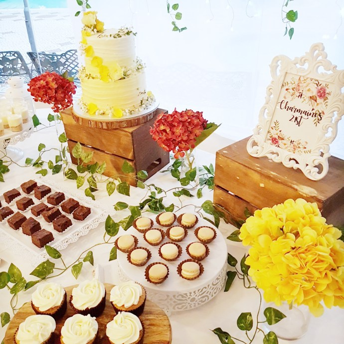 Rustic Floral Dessert Table