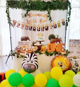 Golden Safari Dessert Table