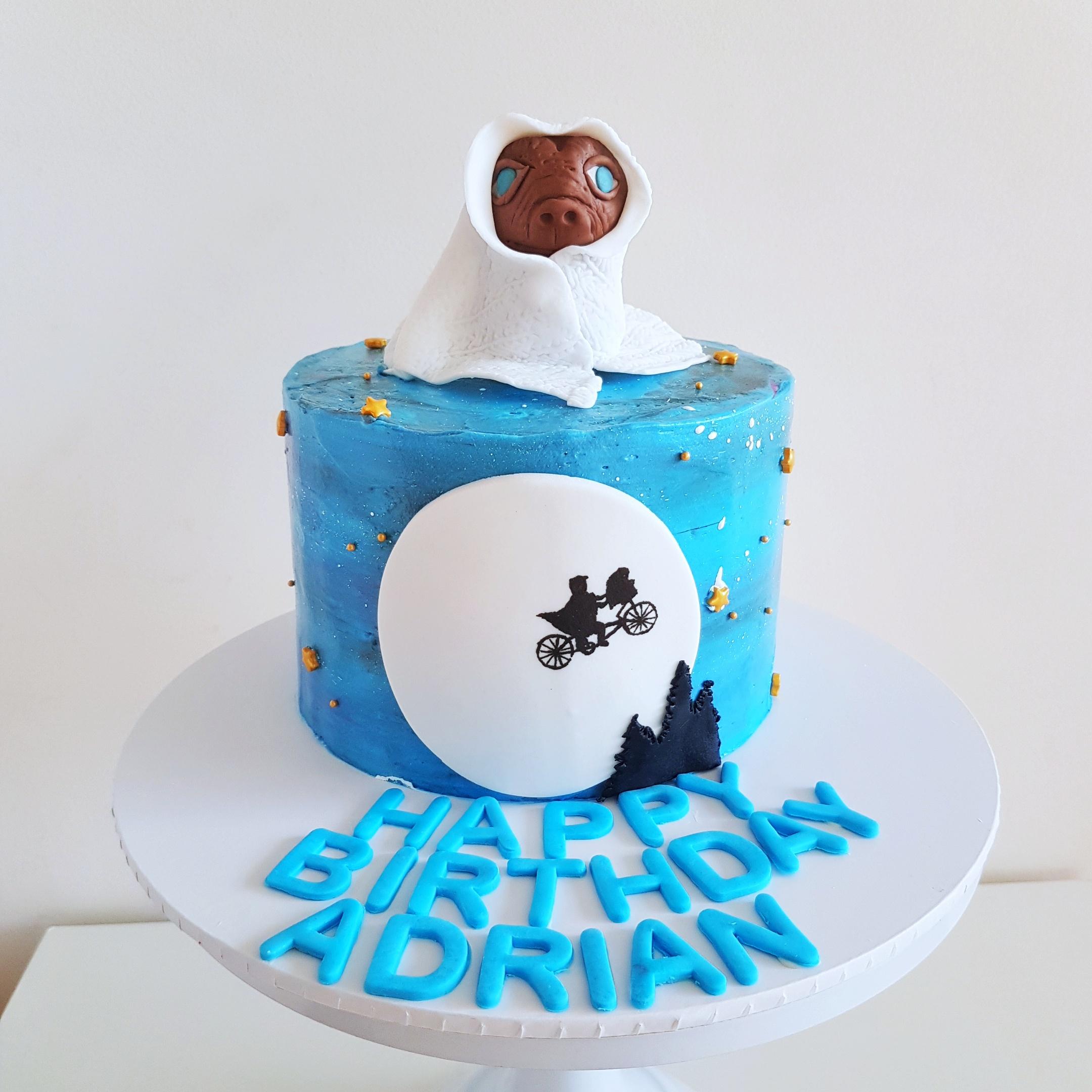E.T. movie cake