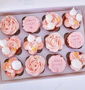 Birthday Cupcakes Set