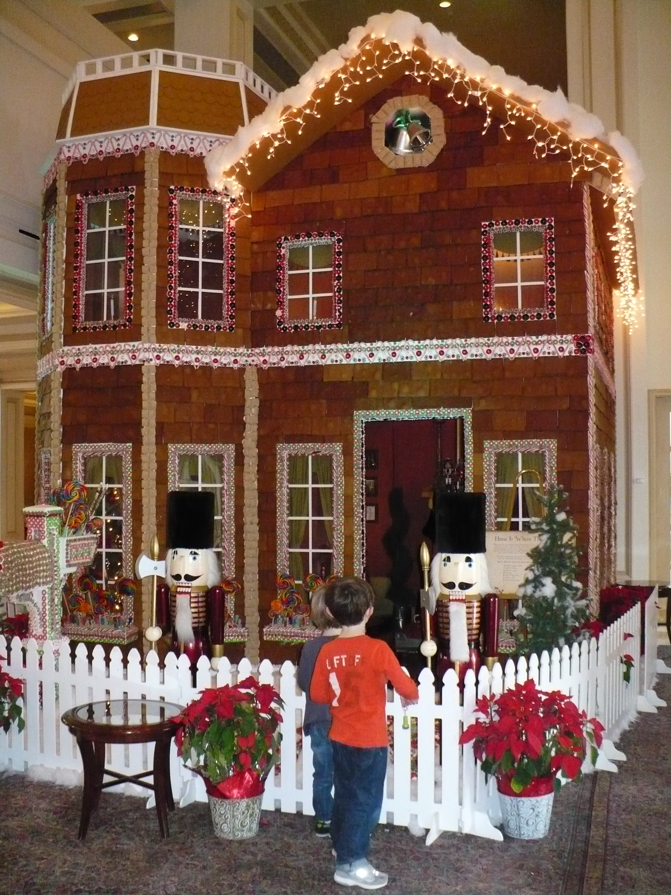 Now THATS A Gingerbread House The Baking Isle