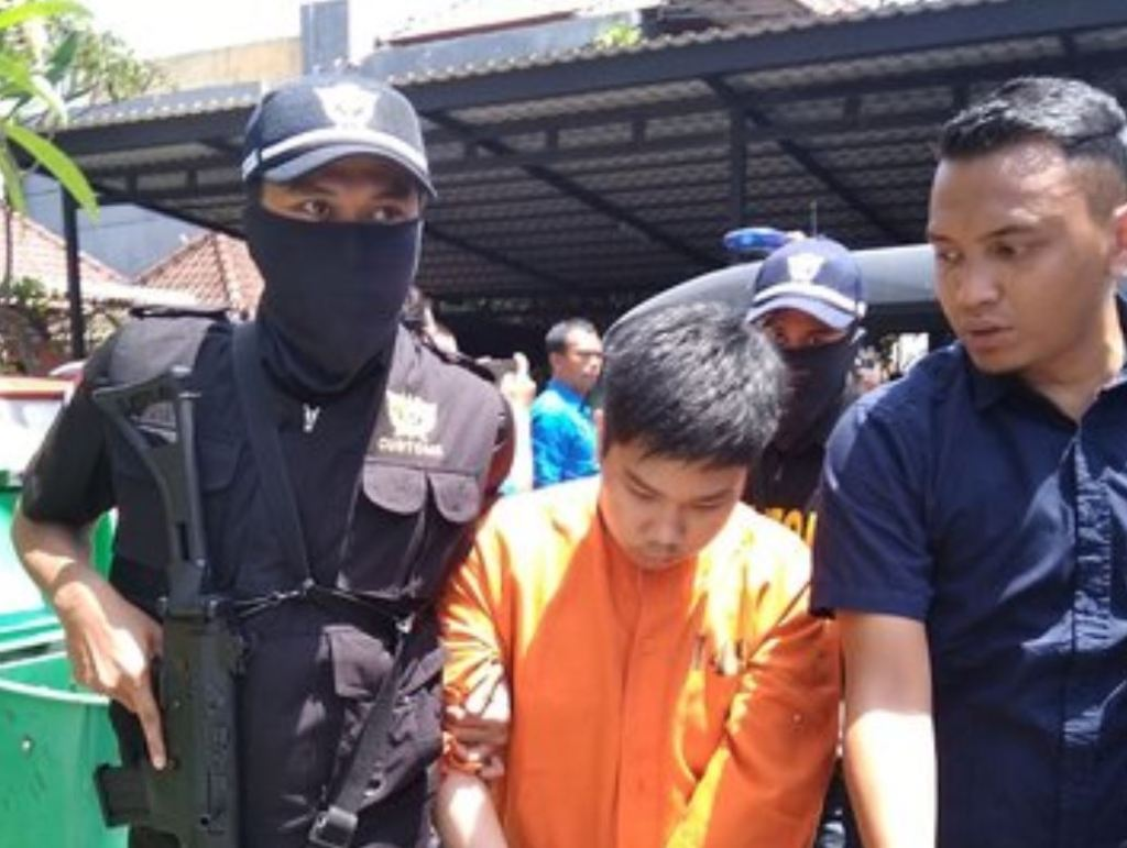 man arrested in bali from hong kong