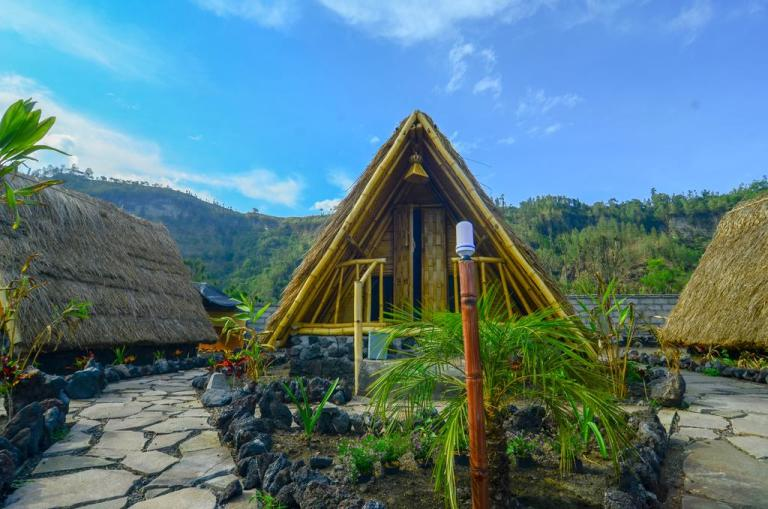 volcano view accommodation in bali with sunrise trek