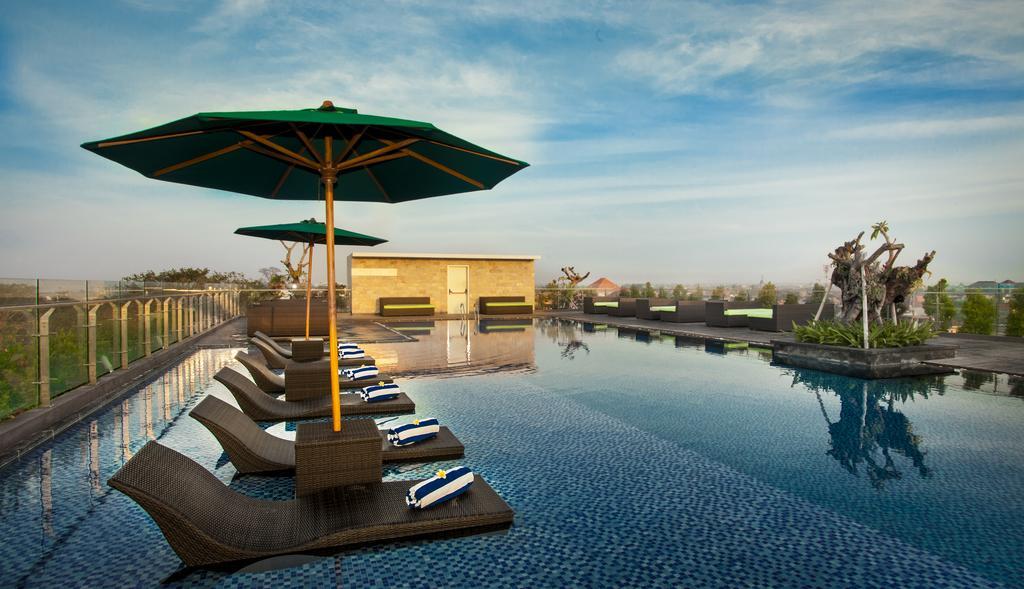 rooftop pool at hotel bali
