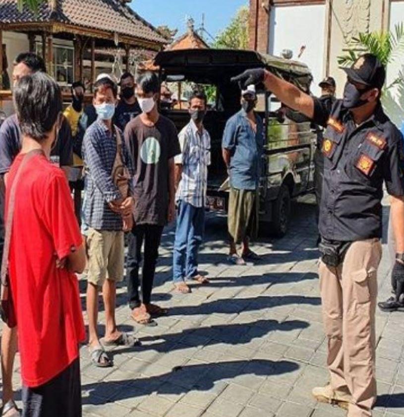 Police question men in depasar