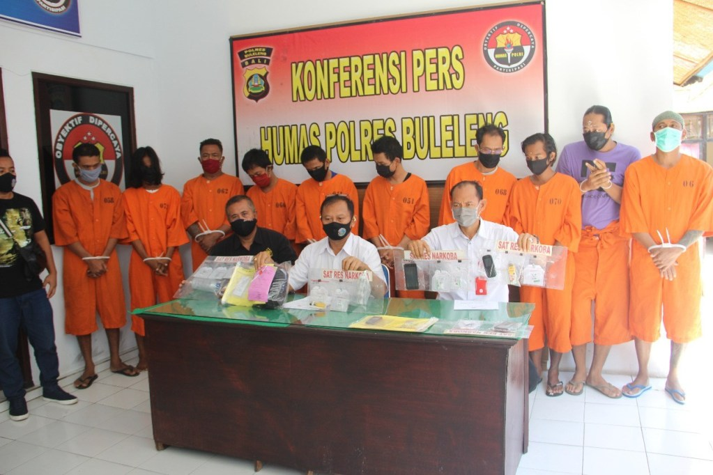 10 men arrested
