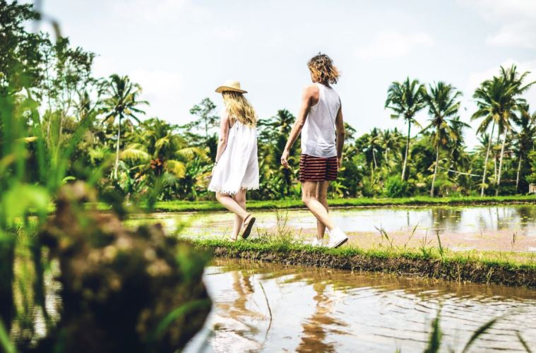 Bali Won't Force Tourists To Leave Island In Revised Visa Police