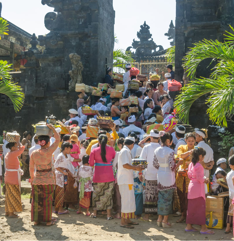 Ceremony at a Hindu temple in Bali prior to the COVID-19 pandemic