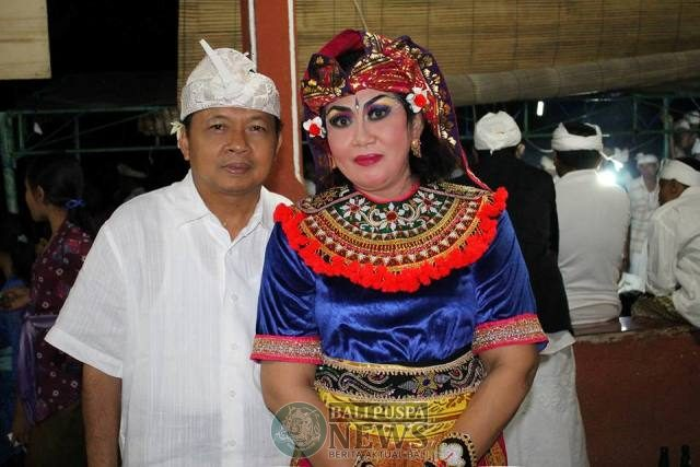koster and wife