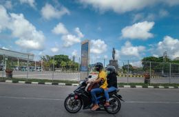 Oil Company In Bali Claims Air Quality Has Improved