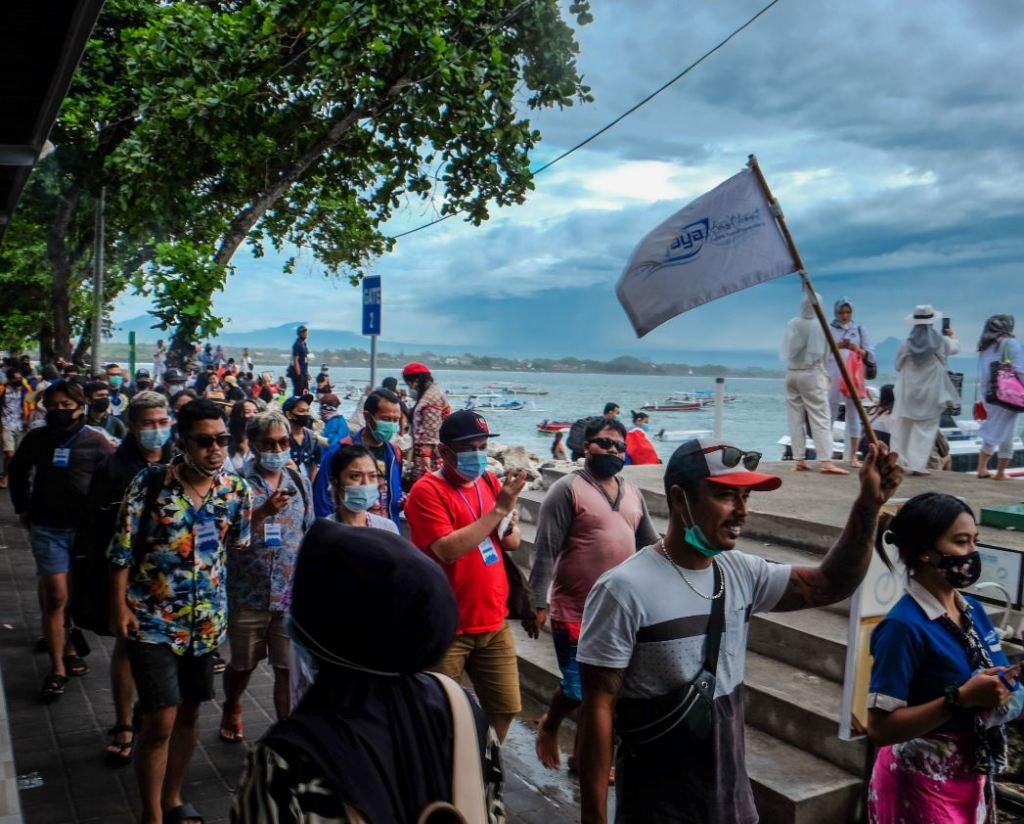 Fast boat service to nusa penida
