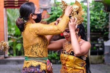Traditional Dance Performances Finally Return To Uluwatu Temple