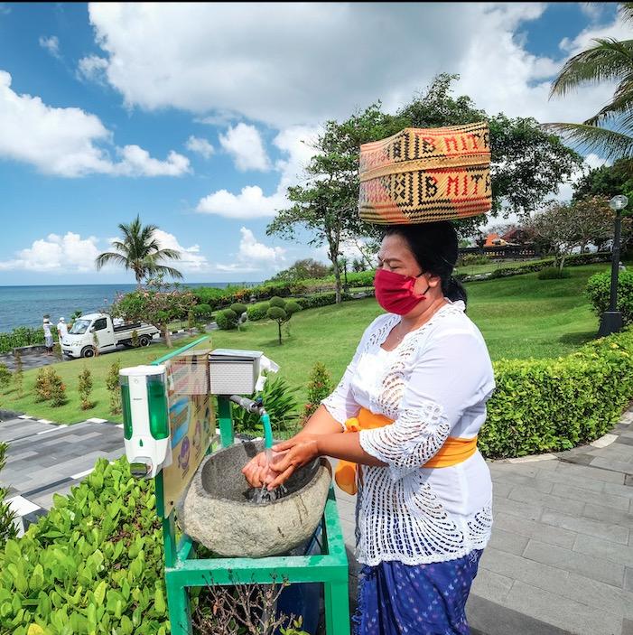 Bali local woman handwash