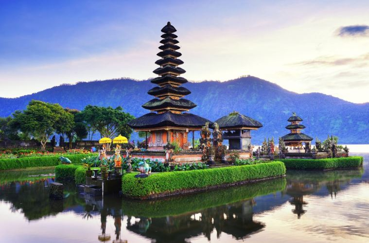More Than 1000 Visitors Cancel Trip To Bali Temple Following New Entry Regulation