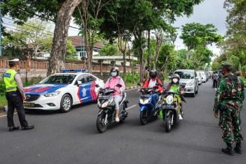 Motorcyclist Dies After Crashing Into Open Car Door In Badung