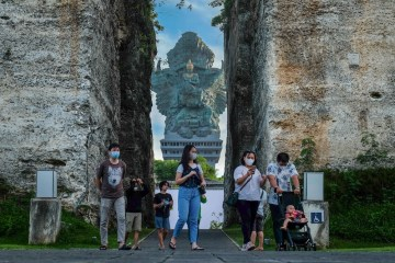 Increased Security As Domestic Tourists Crowd In Temples And Local Attractions In Bali