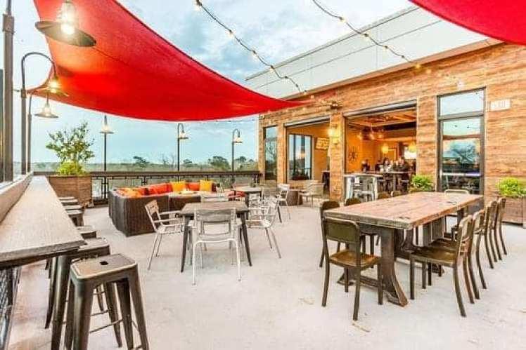 The Rooftop Bar And Restaurant At Hotel Indigo.
