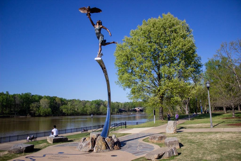 New Statue At The Riverwalk