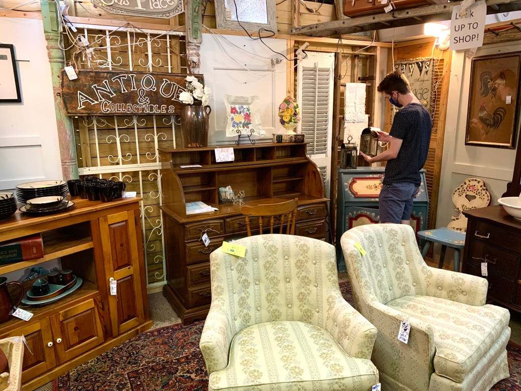 Getting Thrifty At White House Antiques.