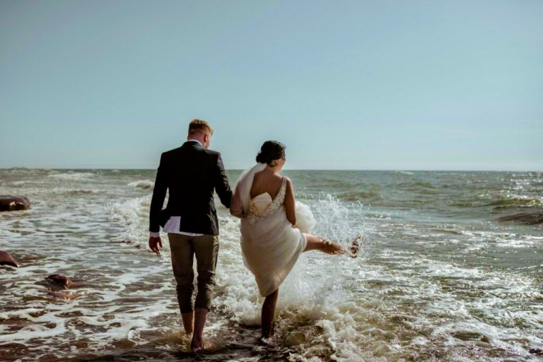 How to get married on the beach in AL—5 questions answered