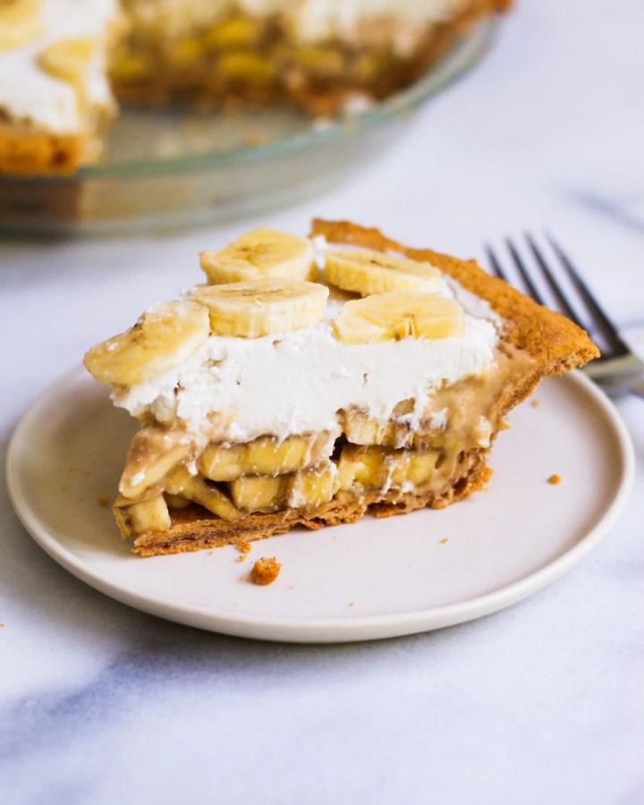 close up of slice of banana cream pie