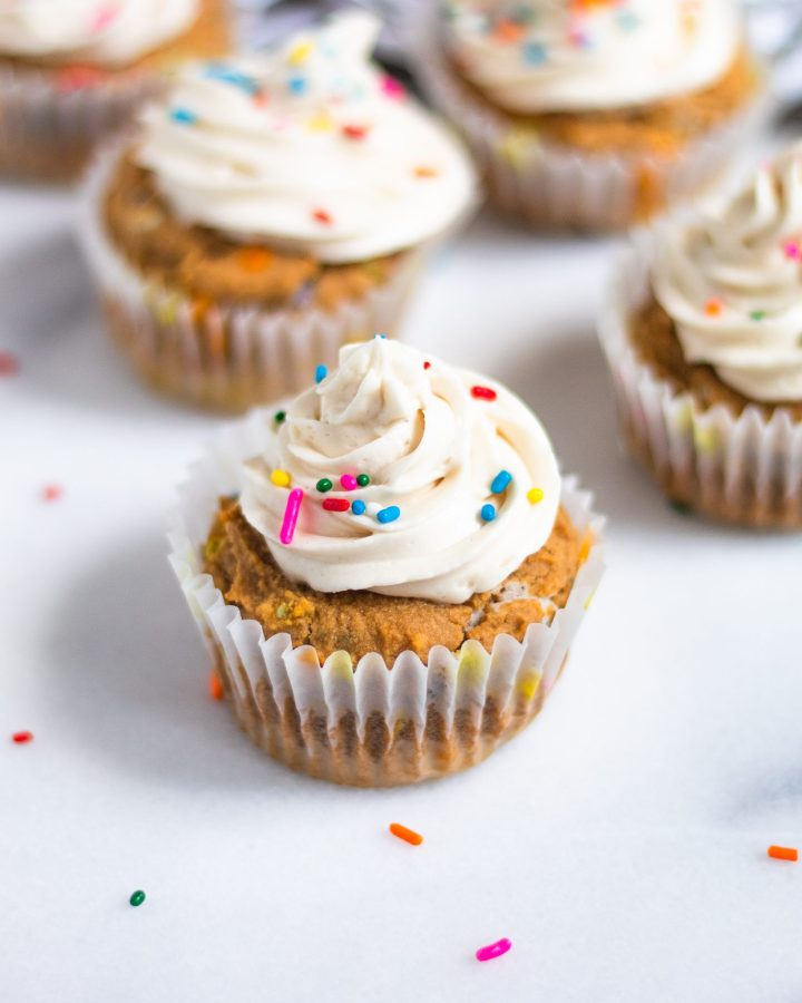 single vanilla cupcake