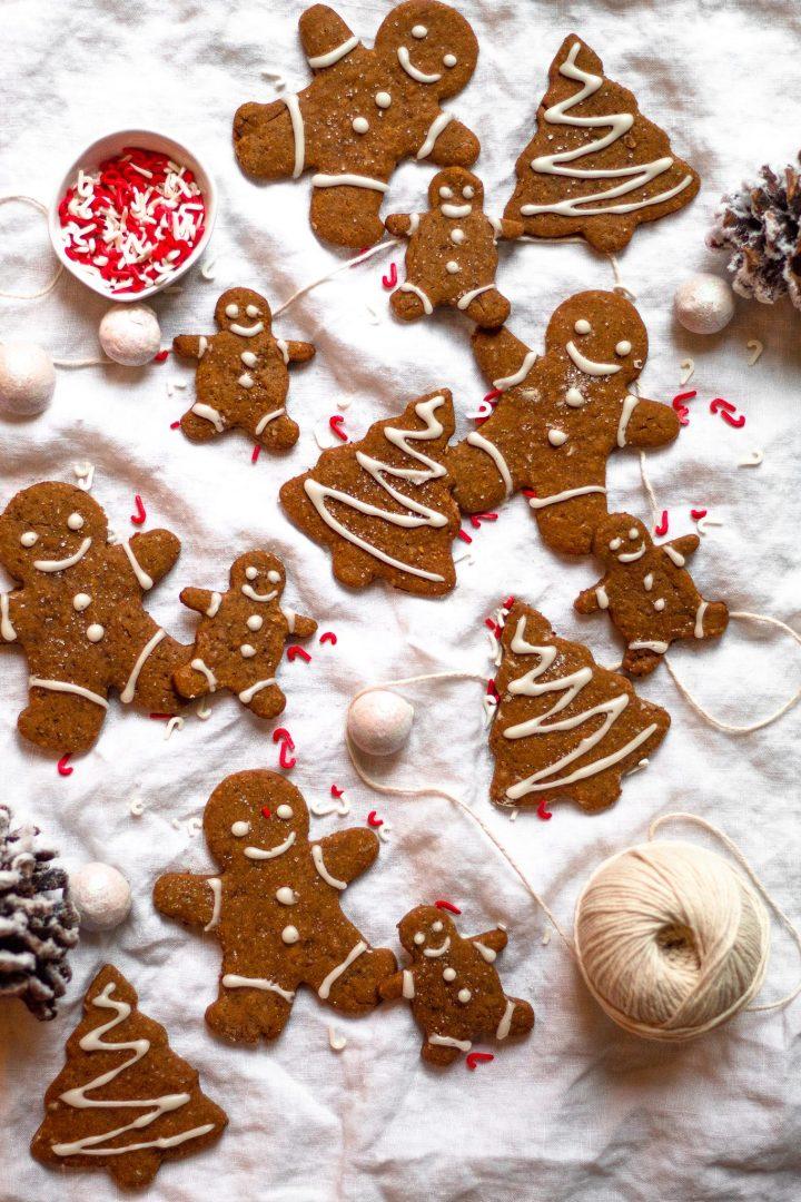 vegan gingerbread cookies on cloth