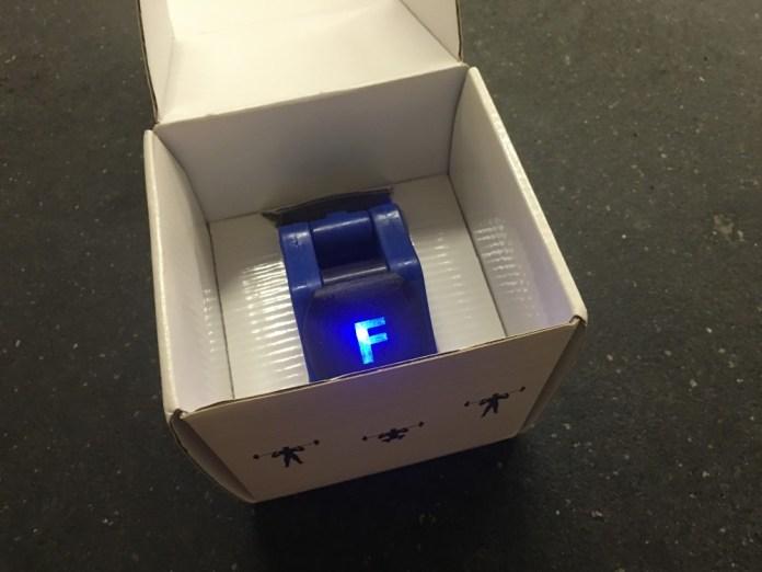 FORM Collar in box