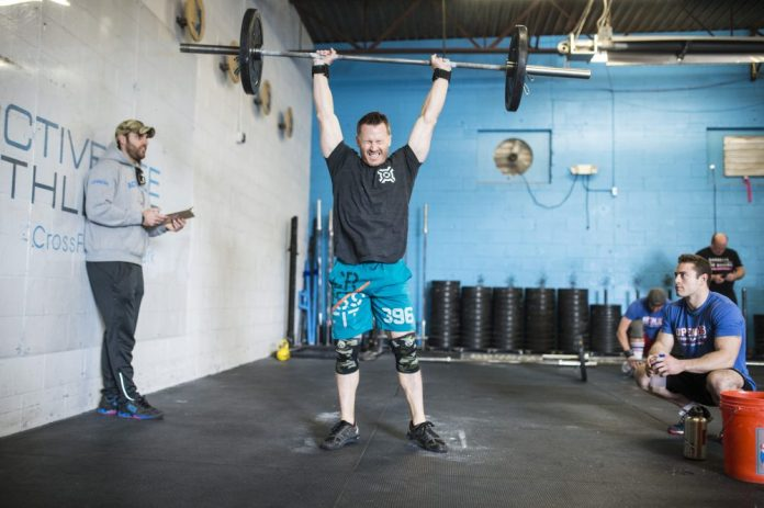 Athlete during CrossFit Open 16.1