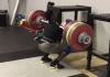CJ Cummings front squats 222kg for 2