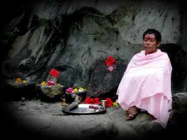Unakoti priest
