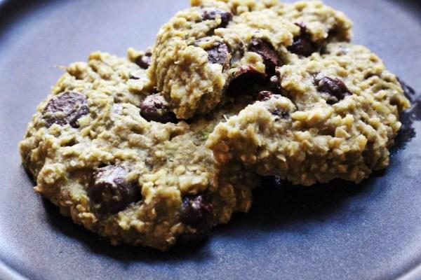 microwave oatmeal chocolate chip cookies